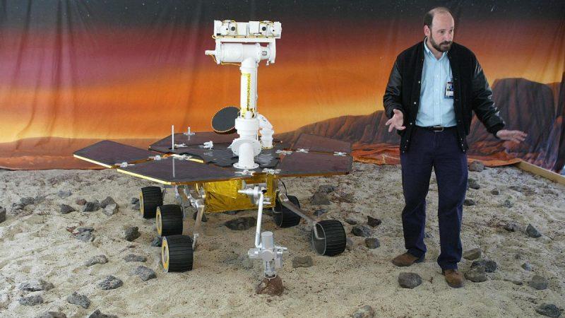 Rover Spirit landing on Mars