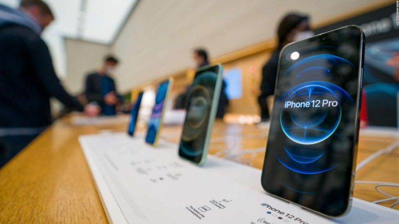 Apple defeated Samsung as a phone maker
