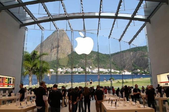 Apple in Brazil has been fined nearly two million for selling an iPhone without a charger