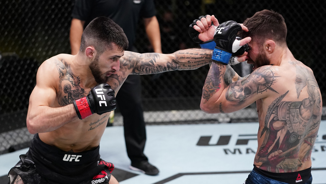 Video: Argentine fighter's debut at UFC ends in bloody defeat after brutal beating