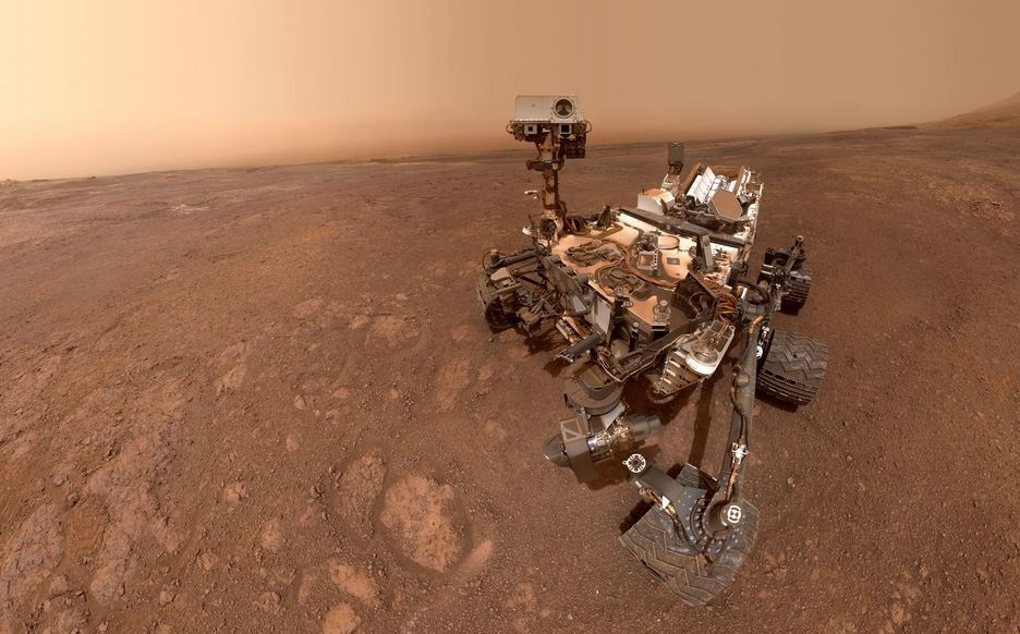 NASA's Curiosity rover takes selfie on new Mars discovery