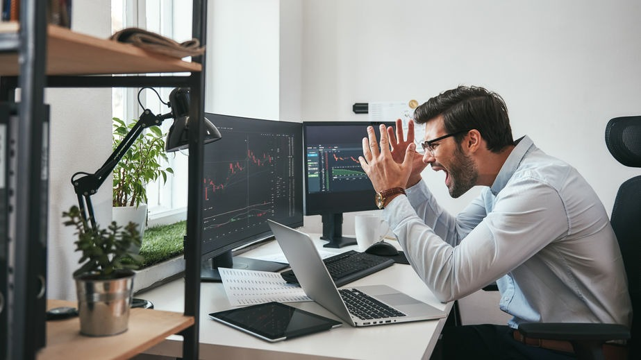 Why are emotions risky for retail traders?