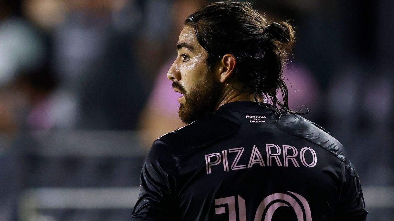 Rodolfo Pizarro has a few options to return to Sivas