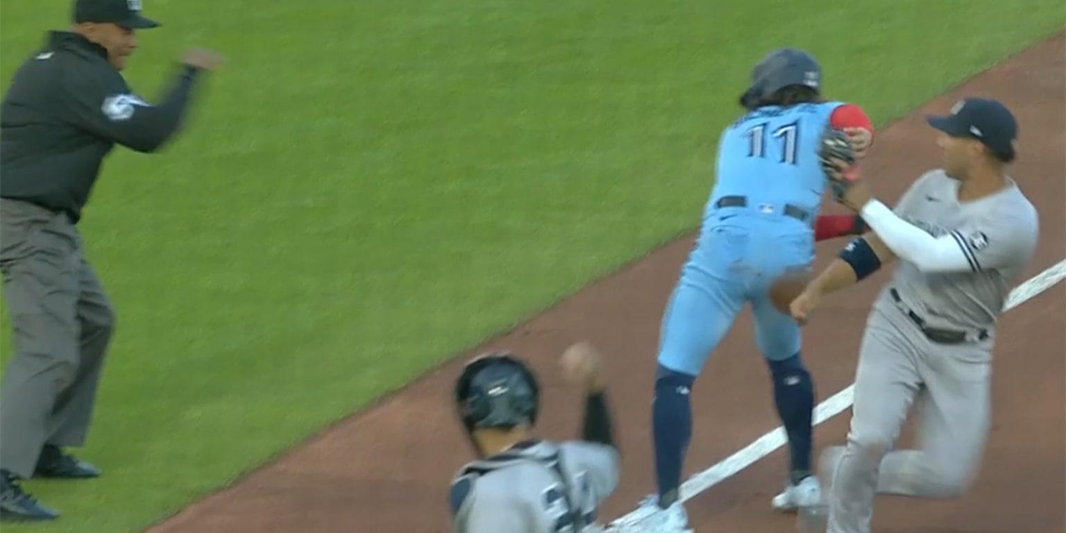 The Yankees turn a weird three play