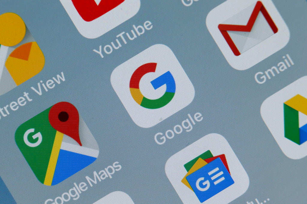 Google removes apps that steal Facebook passwords