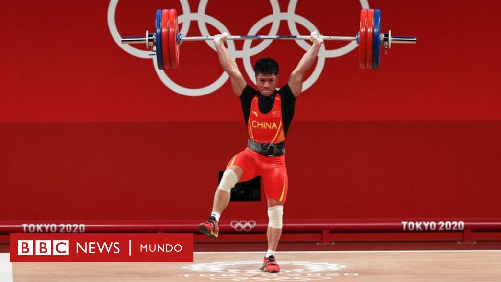 Tokyo Olympics: Chinese weightlifter lifts 166kg on one leg