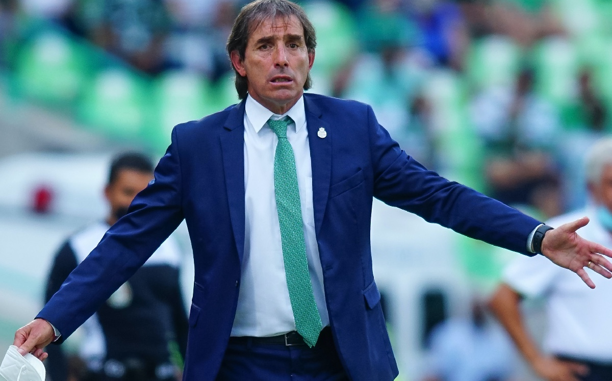 Diego Valdus throws an anger and confronts Almada;  DT justifies it
