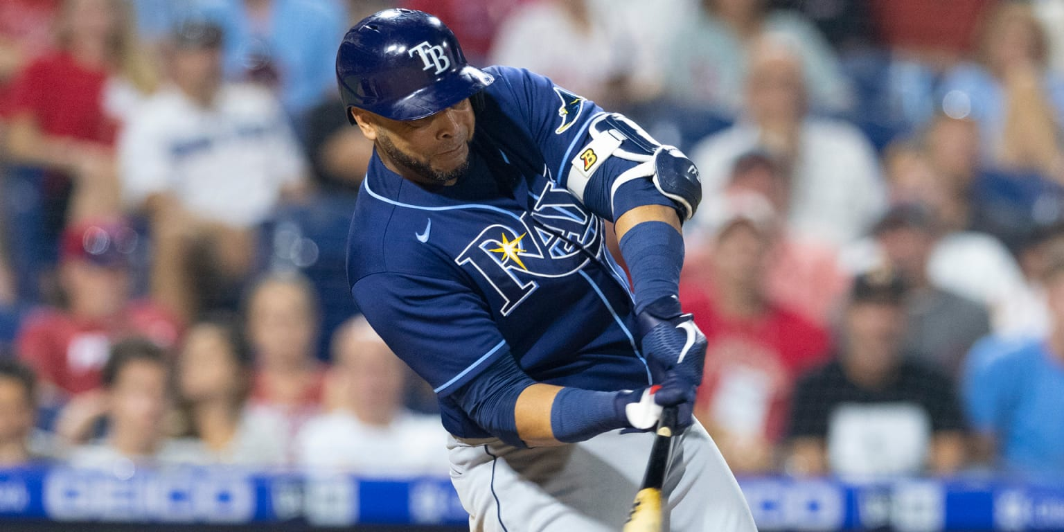 In the introduction 1B, Cruise led the Rays to victory