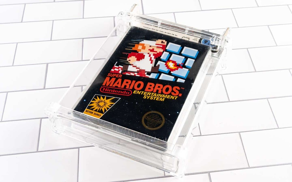 Super Mario Brothers removes the throne from 64 by selling for 40 million pesos