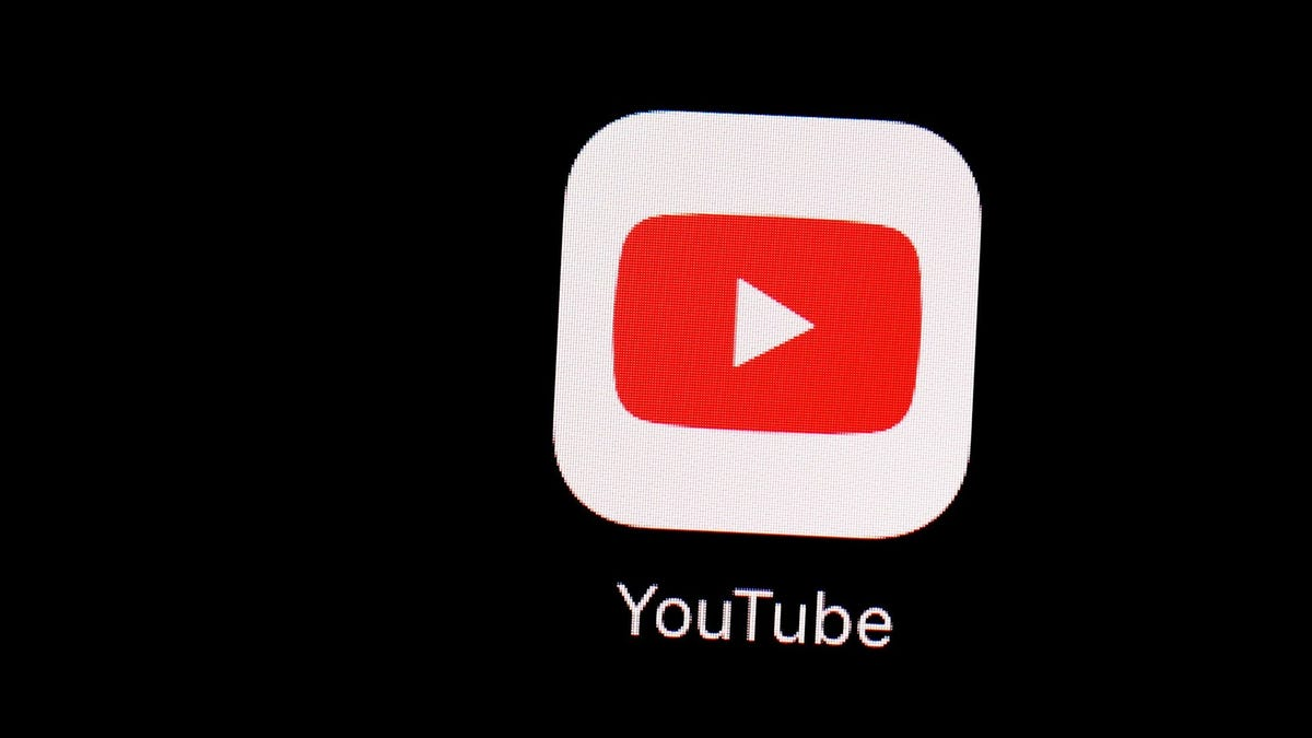 YouTube pays its users $ 10,000 a month to upload content in shorts instead of dictation