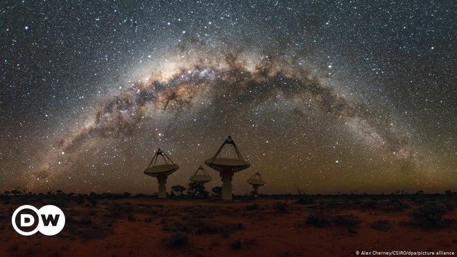 Astronomers find unknown radio signals from the center of the Milky Way Science and Ecology    DW