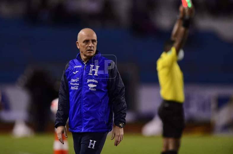 Fabian Coyote leaves after Honduras-Jamaica