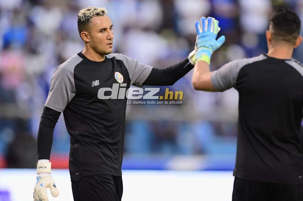 Keeler Nawaz greets Honduran fans at the Olympic Stadium – Dias